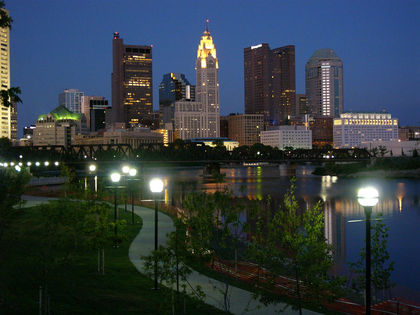 the beautiful city of columbus ohio Hilliard is a suburban city located on the southwest side of columbus, ohio this is a highly desirable area, prized for its great golf courses and beautiful.